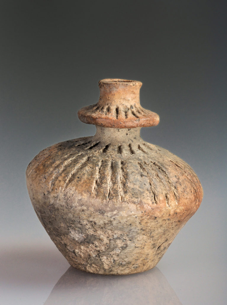 Zogeheten kraaghalsflesje, gevonden bij Valthe, Nederland Datering: trechterbekercultuur (ca 5000 jaar oud) Collectie Drents Museum, Assen. Foto J.R. Beuker