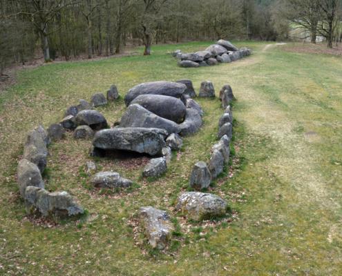 Megalithic graves (hunebedden D19 en D20), Drouwen, The Netherlands. Neolithic (3400-2750 BC). Photo J.R. Beuker.